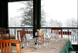 Hotel Urri - 5denní lyžařský balíček se skipasem a dopravou v ceně***39