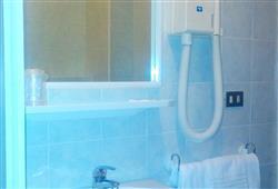 Hotel Urri - 6denní lyžařský balíček se skipasem a dopravou v ceně***21