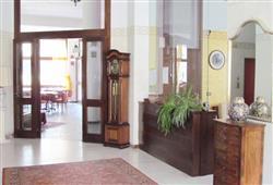 Hotel Urri - 6denní lyžařský balíček se skipasem a dopravou v ceně***39