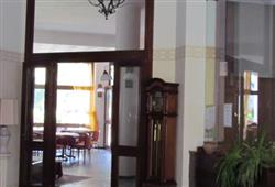 Hotel Urri - 6denní lyžařský balíček se skipasem a dopravou v ceně***40