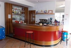 Hotel Casa Alpina (CASA DEL FERIE PAVONIANI) - 5denní lyžařský balíček se skipasem a dopravou v ceně***14
