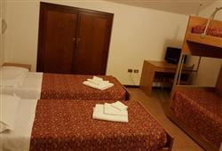 Hotel Casa Alpina (CASA DEL FERIE PAVONIANI) - 5denní lyžařský balíček se skipasem a dopravou v ceně***9