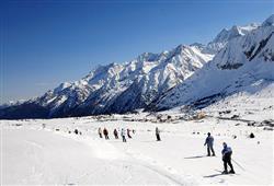 Hotel Casa Alpina (CASA DEL FERIE PAVONIANI) - 5denní lyžařský balíček se skipasem a dopravou v ceně***22