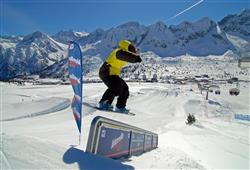 Hotel Casa Alpina (CASA DEL FERIE PAVONIANI) - 5denní lyžařský balíček se skipasem a dopravou v ceně***35