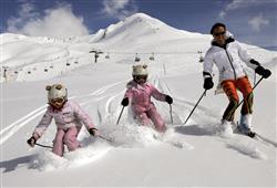 Hotel Casa Alpina (CASA DEL FERIE PAVONIANI) - 5denní lyžařský balíček se skipasem a dopravou v ceně***36