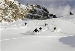 Hotel Casa Alpina (CASA DEL FERIE PAVONIANI) - 5denní lyžařský balíček se skipasem a dopravou v ceně***46