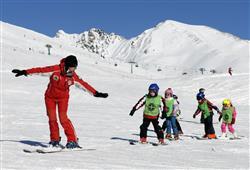 Hotel Casa Alpina (CASA DEL FERIE PAVONIANI) - 5denní lyžařský balíček se skipasem a dopravou v ceně***44