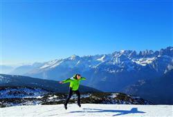 Hotel Piancastello - 5denní lyžařský balíček se skipasem a dopravou v ceně***25