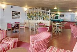 Hotel Girasole - 5denní lyžařský balíček se skipasem a dopravou v ceně - prosincové termíny***6