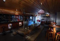 Hotel Girasole - 5denní lyžařský balíček se skipasem a dopravou v ceně - prosincové termíny***10