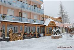 Hotel Piancastello - 5denní lyžařský balíček se skipasem a dopravou v ceně***4