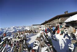 Hotel Piancastello - 5denní lyžařský balíček se skipasem a dopravou v ceně***18