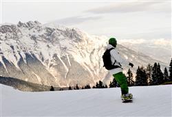 Hotel Piancastello - 5denní lyžařský balíček se skipasem a dopravou v ceně***28