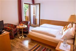 Hotel Simpaty - 6denný lyžiarsky balíček so skipasom a dopravou v cene***17
