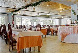 Hotel Sole Alto – 5denní lyžařský balíček se skipasem a dopravou v ceně***10
