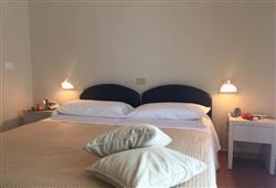 Hotel Fedora***2
