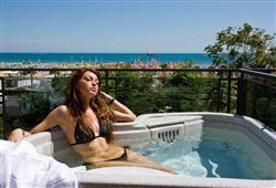 Hotel Ferretti Beach****5