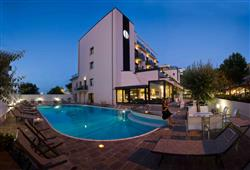 Hotel Ferretti Beach****1