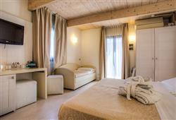 Hotel Ferretti Beach****10