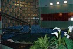 Hotel Derby - 6denní lyžařský balíček se skipasem a dopravou v ceně***12
