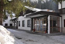 Hotel Casa Alpina - 5denní lyžařský balíček se skipasem a dopravou v ceně**3