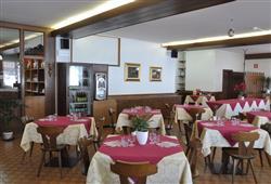 Hotel Casa Alpina - 5denní lyžařský balíček se skipasem a dopravou v ceně**21