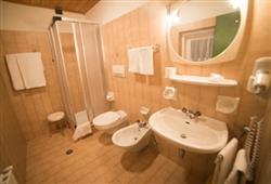 Hotel Casa Alpina - 5denní lyžařský balíček se skipasem a dopravou v ceně**16
