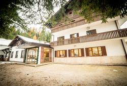 Hotel Casa Alpina - 5denní lyžařský balíček se skipasem a dopravou v ceně**0