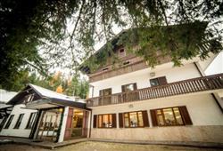 Hotel Casa Alpina - 5denní lyžařský balíček se skipasem a dopravou v ceně**1