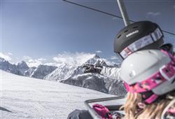 Hotel Casa Alpina - 5denní lyžařský balíček se skipasem a dopravou v ceně**34