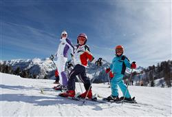 Hotel Marilleva 1400 - 5denní lyžařský balíček se skipasem a dopravou v ceně****14