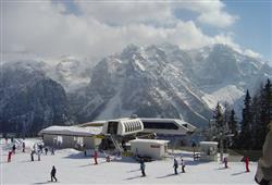 Hotel Marilleva 1400 - 5denní lyžařský balíček se skipasem a dopravou v ceně****16