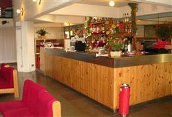 Hotel Marilleva 1400 - 5denní lyžařský balíček se skipasem a dopravou v ceně****6