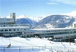 Hotel Marilleva 1400 - 5denní lyžařský balíček se skipasem a dopravou v ceně****1
