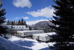 Hotel Marilleva 1400 - 5denní lyžařský balíček se skipasem a dopravou v ceně****2