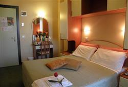 Hotel Crosal***4