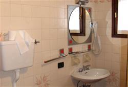 Hotel Alle Tre Baite - 5denný lyžiarsky balíček so skipasom a dopravou v cene***5
