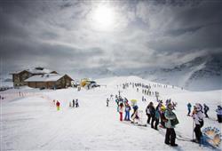Hotel Alle Tre Baite - 5denný lyžiarsky balíček so skipasom a dopravou v cene***10