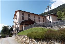 Hotel Casa Alpina (CASA DEL FERIE PAVONIANI) - 5denní lyžařský balíček se skipasem a dopravou v ceně***3