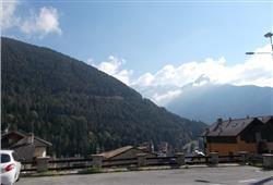 Hotel Casa Alpina (CASA DEL FERIE PAVONIANI) - 5denní lyžařský balíček se skipasem a dopravou v ceně***20