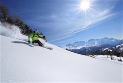 Hotel Sole Alto – 5denní lyžařský balíček se skipasem a dopravou v ceně***19