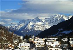 Hotel Derby - 6denní lyžařský balíček s denním přejezdem a skipasem v ceně***14