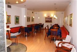 Hotel Derby - 6denní lyžařský balíček s denním přejezdem a skipasem v ceně***6