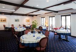 Hotel Jezero - 7/8-dniowy zimowy pobyt z skipassem w cenie****8