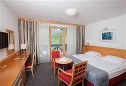 Hotel Jezero - 7/8-dniowy zimowy pobyt z skipassem w cenie****10