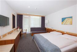 Hotel Jezero - 7/8-dniowy zimowy pobyt z skipassem w cenie****9