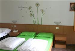Hotel Daniela - 5denní lyžařský balíček se skipasem a dopravou v ceně**4