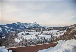 Hotel Erica - 5denní lyžařský balíček se skipasem a dopravou v ceně***39