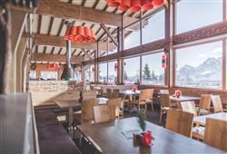 Hotel Simpaty - 6denní lyžařský balíček s denním přejezdem a skipasem v ceně***39