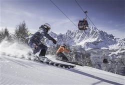 Hotel Simpaty - 6denní lyžařský balíček s denním přejezdem a skipasem v ceně***44